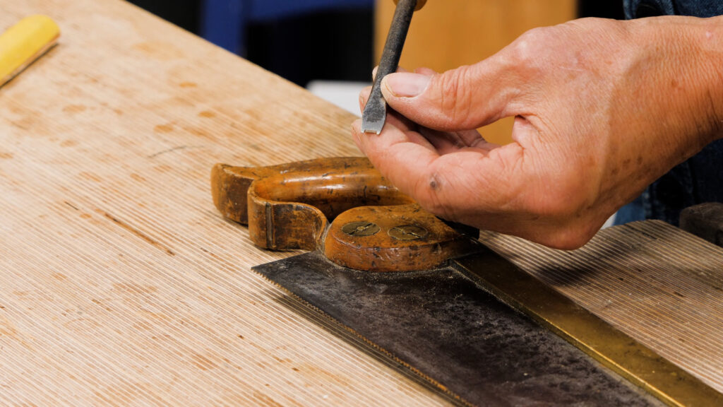 10 Quick Woodworking Tips (03).00_01_01_05.Still011