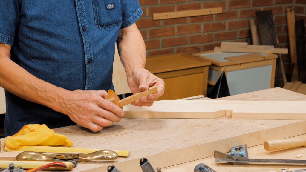 10 Quick Woodworking Tips (03).00_01_26_07.Still015