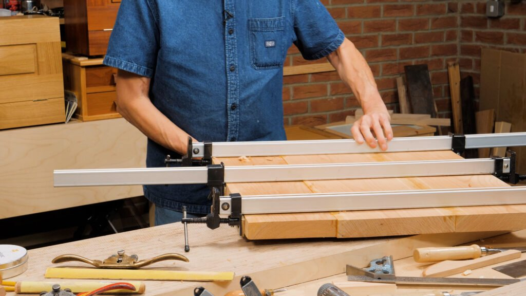 10 Quick Woodworking Tips (03).00_03_33_18.Still028