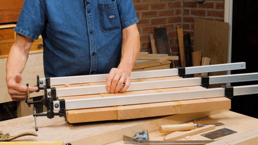 10 Quick Woodworking Tips (03).00_03_44_26.Still029