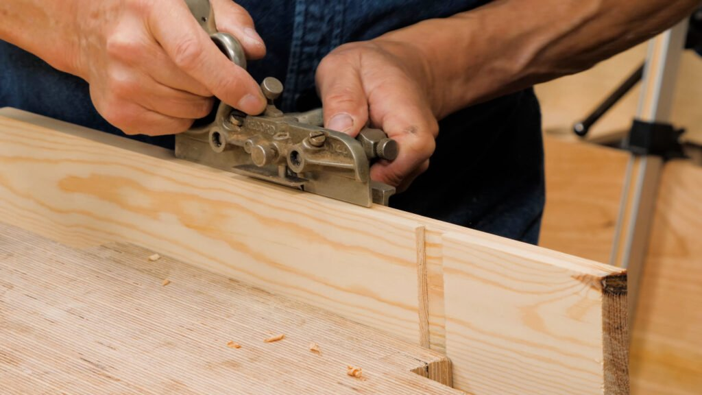 10 Quick Woodworking Tips (03).00_04_04_19.Still030