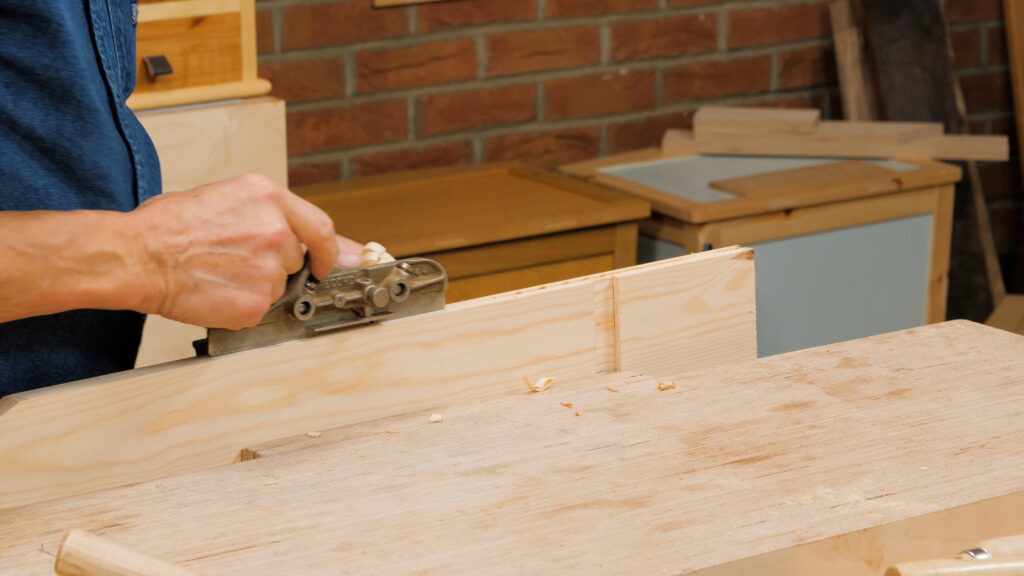 10 Quick Woodworking Tips (03).00_04_26_29.Still033