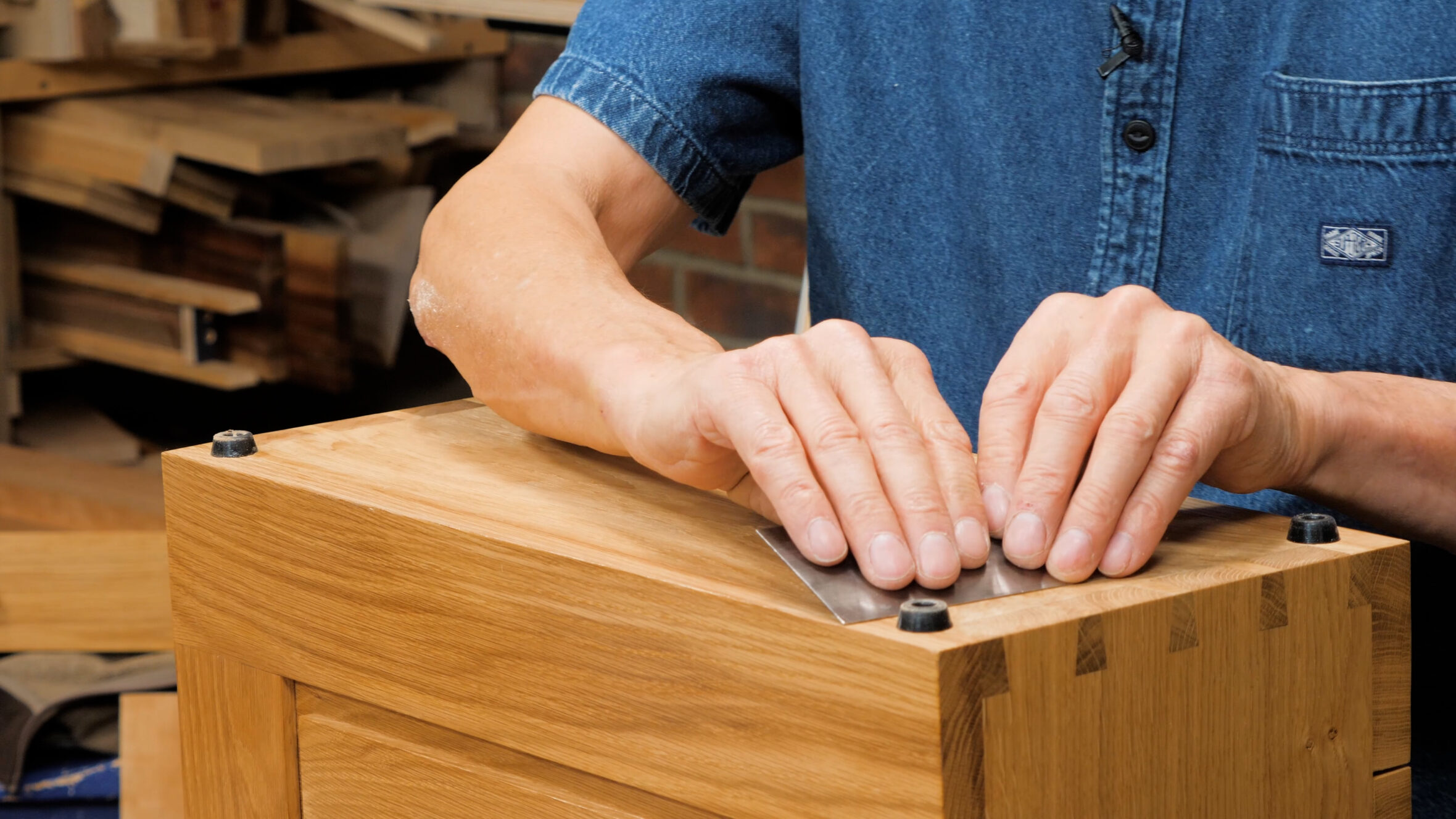 10 Quick Woodworking Tips (03).00_05_28_18.Still038
